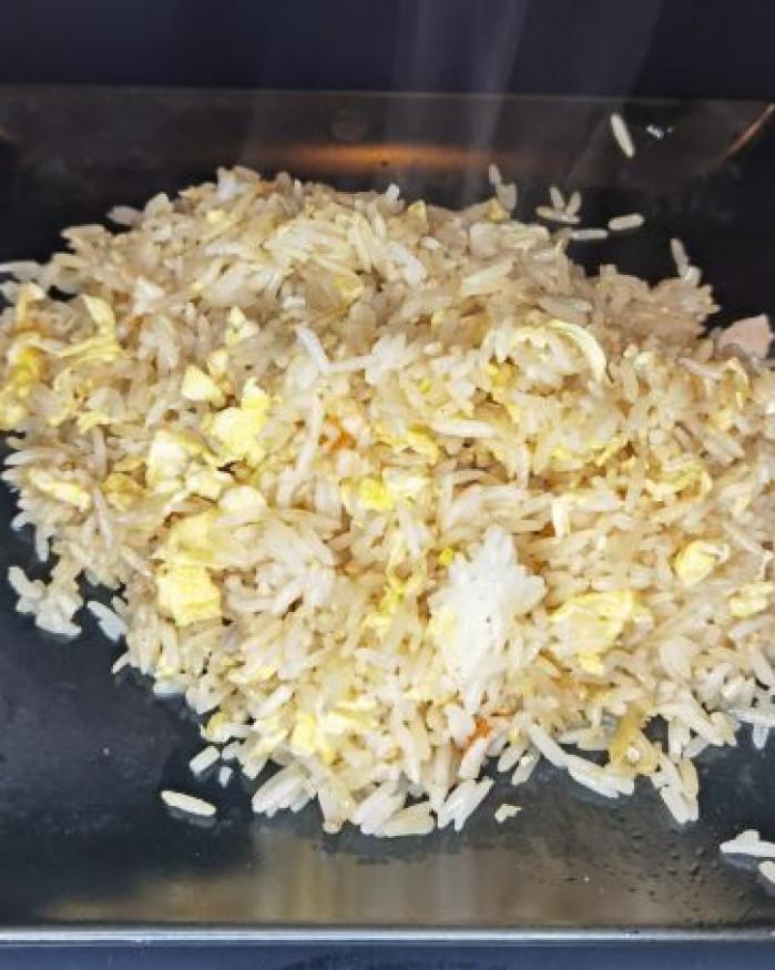 E06. GO HAN NAGOYA (riz fruits de mer)